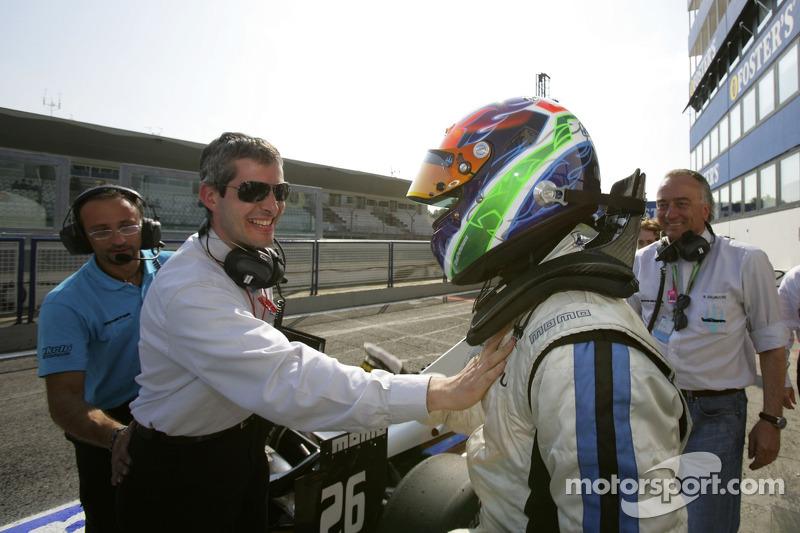 Gianmaria Bruni fête sa pole position avec Alessandro Alluni Bravi