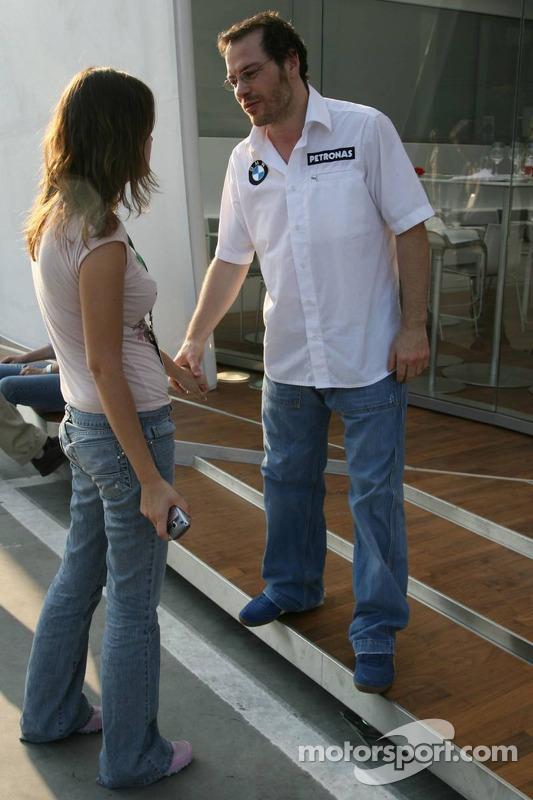 Jacques Villeneuve avec sa petite-amie Johanna