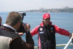 Jose Luis Cardoso parcourt le Bosphore à Istanbul