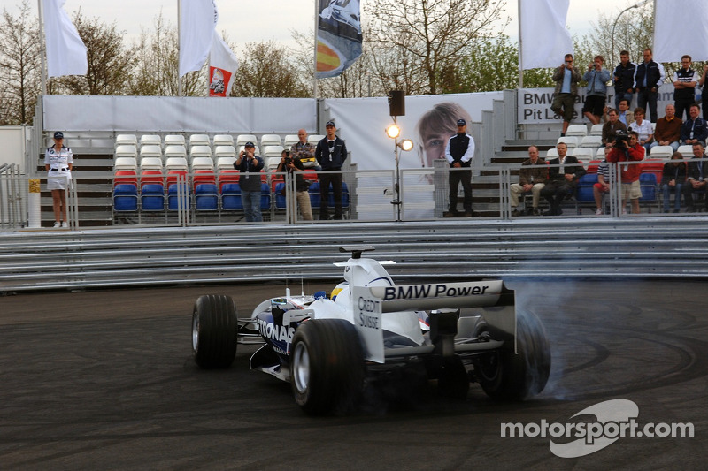 Visite du stand de l'équipe BMW Sauber: Nick Heidfeld