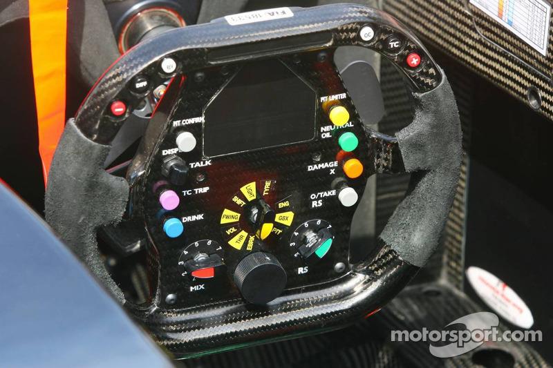 Le volant de Jenson Button