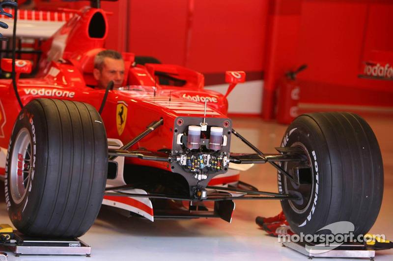 Une Ferrari avec des pneus Bridgestone
