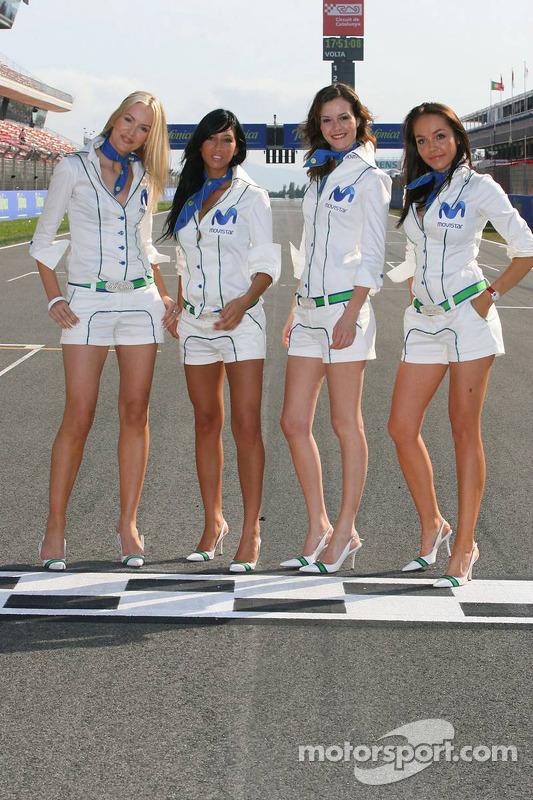 Séance photos des jeunes femmes Telefonica