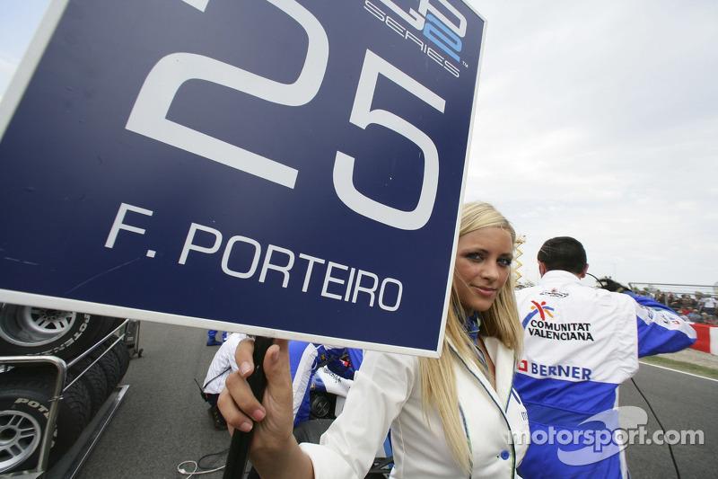 La jeune femme de piste de Felix Porteiro