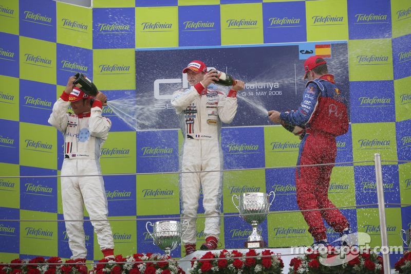 Alexandre Premat premier, Lewis Hamilton deuxième et Michael Ammermuller troisième