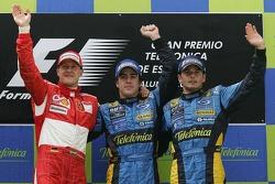 Podio: ganador de la carrera Fernando Alonso, segundo lugar Michael Schumacher y el tercer lugar Gia