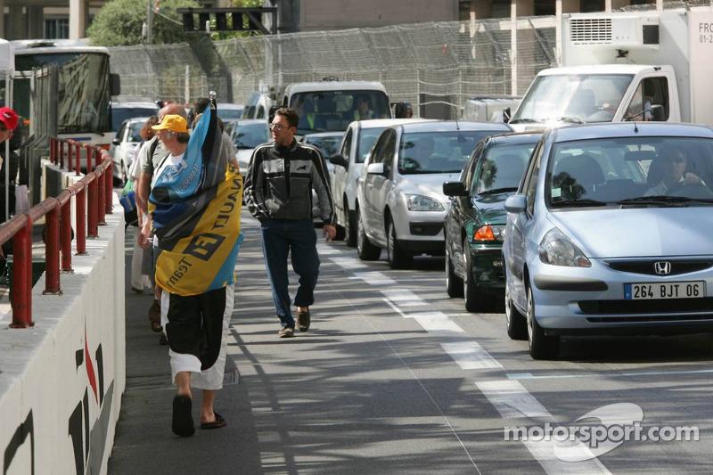 Des fans de Formule 1 rejoignent Monaco