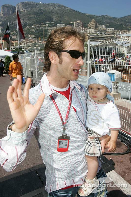 Jarno Trulli et son fils Enzo Trulli