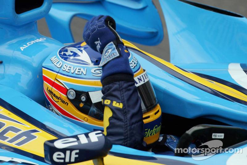 Fernando Alonso celebra