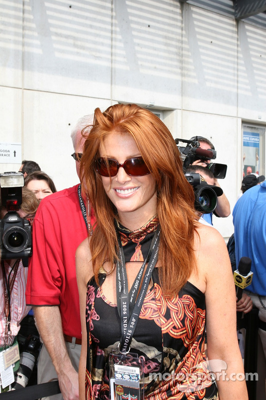 Le mannequin Angie Everhart