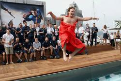 Red Bull Racing director deportivo Christian Horner hace bien en una apuesta que si el equipo hace e