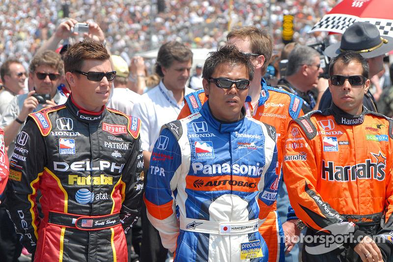 Scott Sharp, Kosuke Matsuura et Vitor Meira