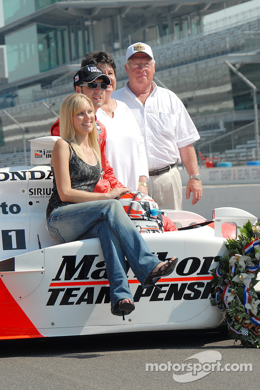 Sam Hornish jr. Avec sa femme Crystal et ses parents