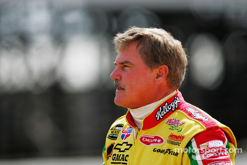 Terry Labonte waits to qualify