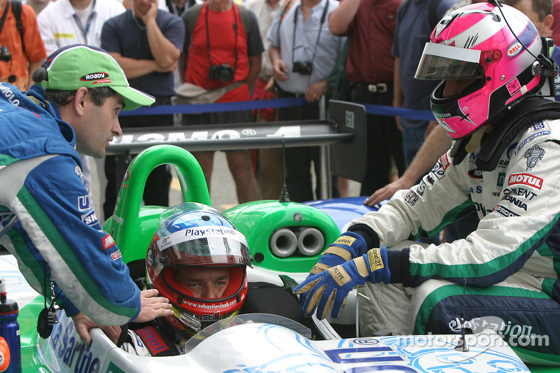 Les pilotes changent Sébastien Loeb et Franck Montagny