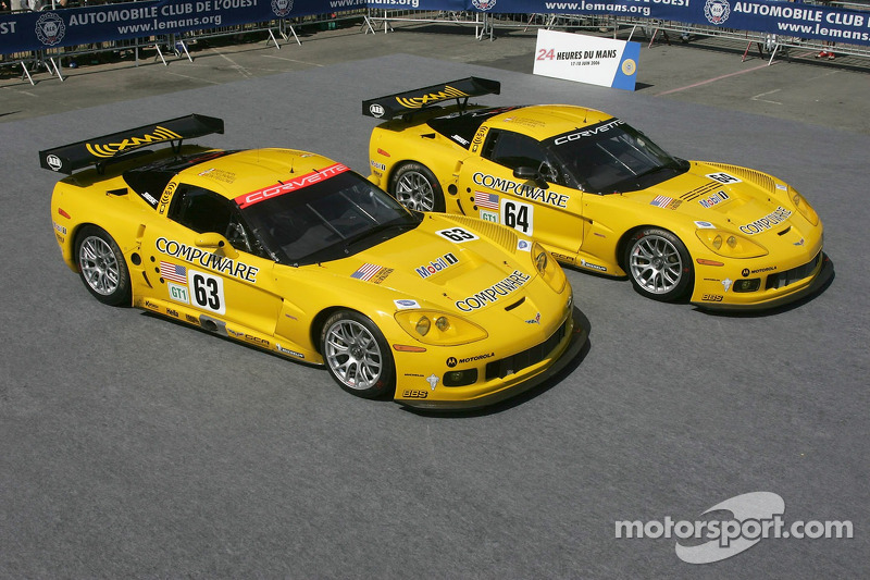 Une paire de Corvette Racing Corvette C6-R