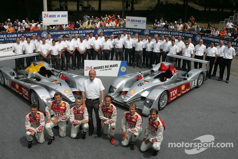 Allan McNish, Rinaldo Capello, Tom Kristensen, Marco Werner, Frank Biela, Emmanuele Pirro, Dr Wolfgang Ullrich, et l'équipe Audi Sport Team Joest avec la Audi Sport Team Joest Audi R10