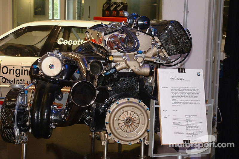 en expositionengine on display