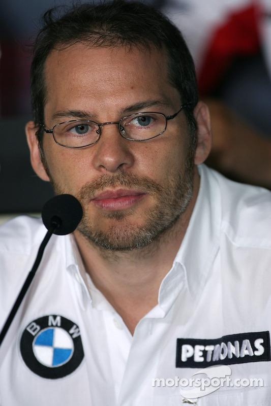 Conférence de presse de la FIA: Jacques Villeneuve