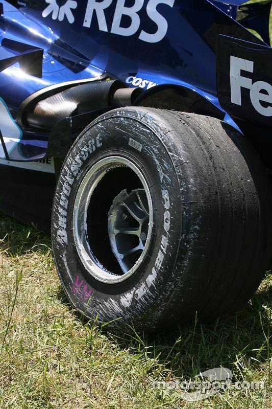 Dégâts sur la Williams de Nico Rosberg