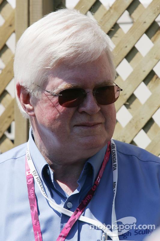Professor Hugh Scully, un camarade la FIA Institute et président de ICMS
