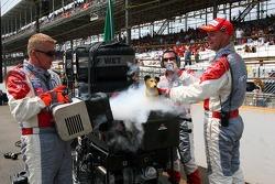 Midland mechanics with dry ice