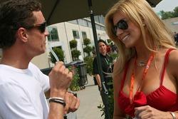 David Coulthard and a Formula Unas girl