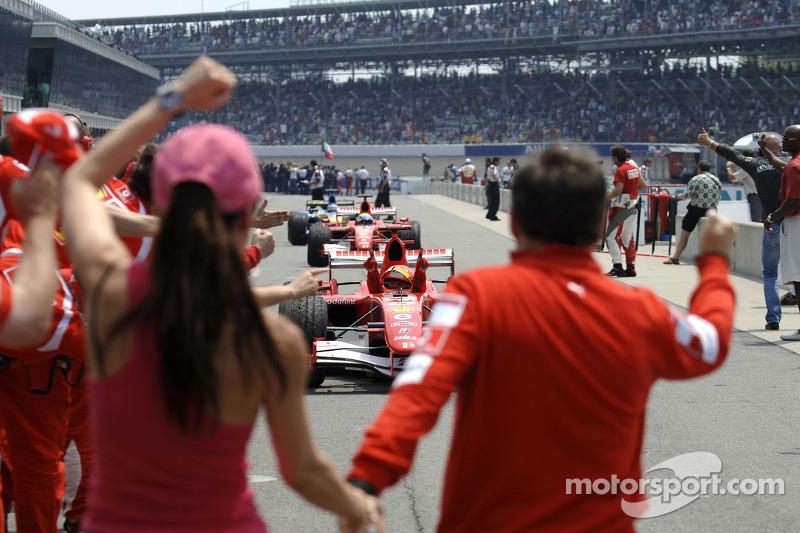Jean Todt et Michelle Yeoh attendent Michael Schumacher