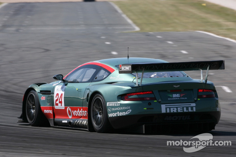 #24 Aston Martin Racing BMS Aston Martin DBR9: Christian Pescatori, Miguel Ramos