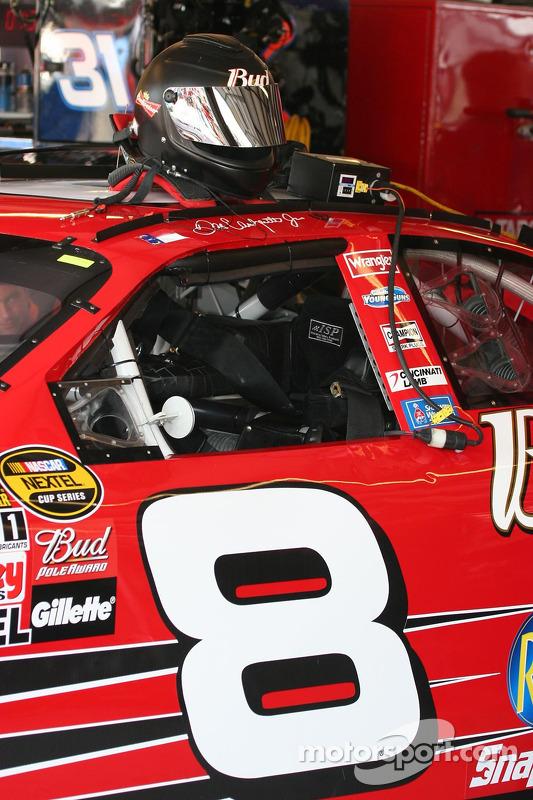 La voiture de Dale Earnhardt Jr. Est prête