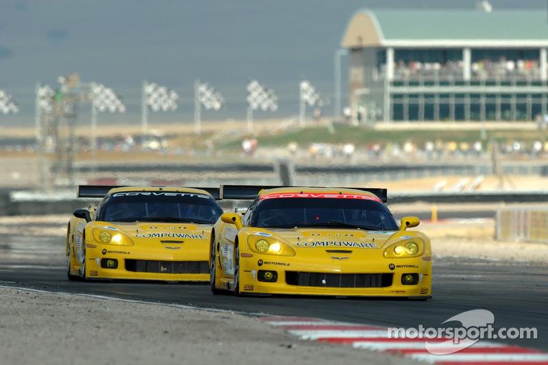 #3 Corvette Racing Corvette C6-R: Ron Fellows, Johnny O'Connell et #4 Corvette Racing Corvette C6-R: Oliver Gavin, Olivier Beretta