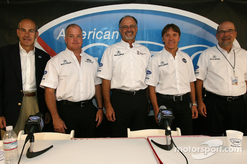Presse de conférence d'Acura : Scott Atherton, Duncan Dayton, Kim Green, Adrian Fernandez et Robert Clarke