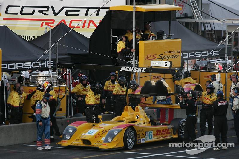 Retraite tardive pour #6 Penske Motorsports Porsche RS Spyder: Sascha Maassen, Lucas Luhr