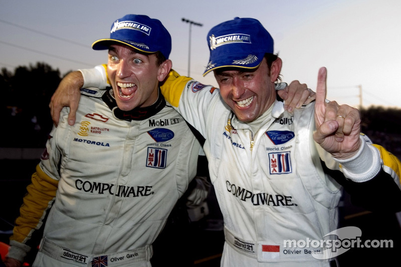 #4 Corvette Racing Corvette C6-R: Oliver Gavin, Olivier Beretta fête sa victoire en GT1