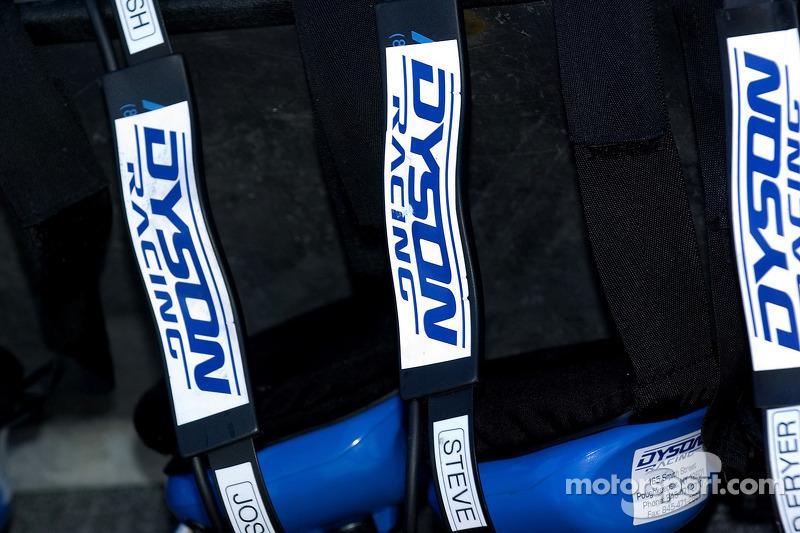 Les casques de l'équipe Dyson Racing