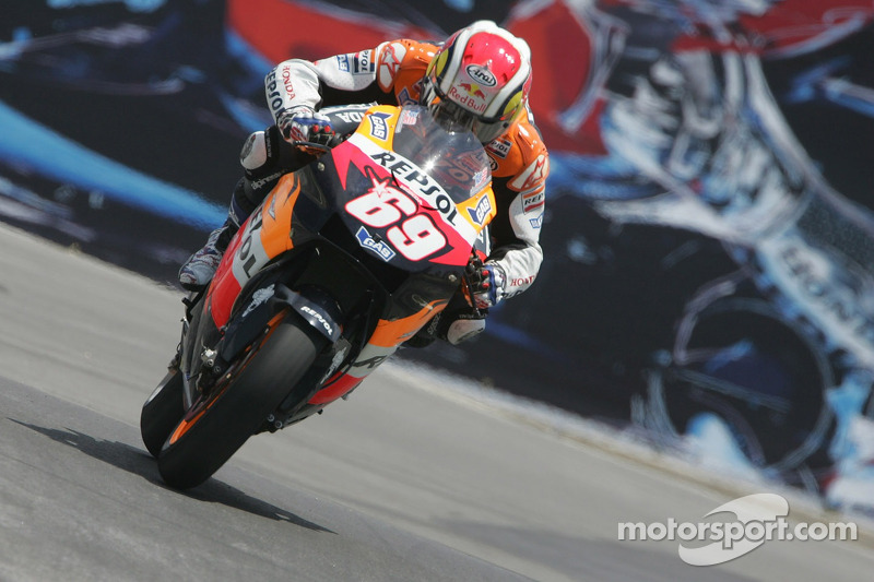 "<img class=""ms-flag-img ms-flag-img_s1"" title=""United States"" src=""https://cdn-4.motorsport.com/static/img/cf/us-3.svg"" alt=""United States"" width=""32"" /> Nicky Hayden"