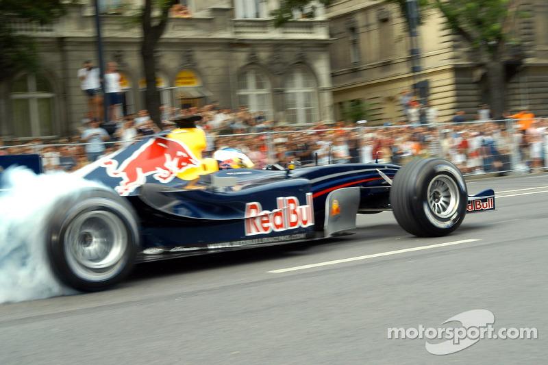 Red Bull Show Run Budapest: Robert Doornbos