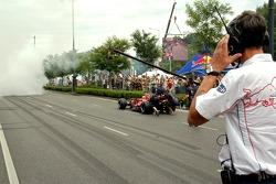 Нил Джани и руководитель тестовой бригады Энтони Барроуз на демонстрационных заездах в Будапеште