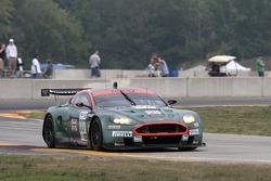 #007 Aston Martin Racing Aston Martin DB9: Darren Turner, Tomas Enge