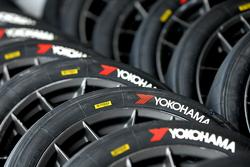Yokohama Advan Reifen