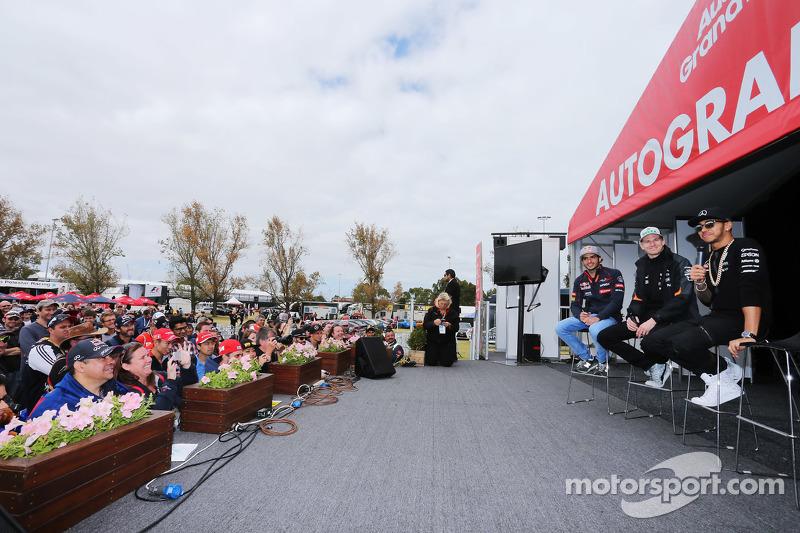 (Kiri ke Kanan): Carlos Sainz Jr., Scuderia Toro Rosso; Nico Hulkenberg, Sahara Force India F1; Lewi