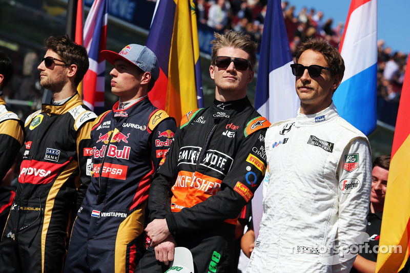(da sinistra a destra): Romain Grosjean, Lotus F1 Team; Max Verstappen, Scuderia Toro Rosso; Nico Hu