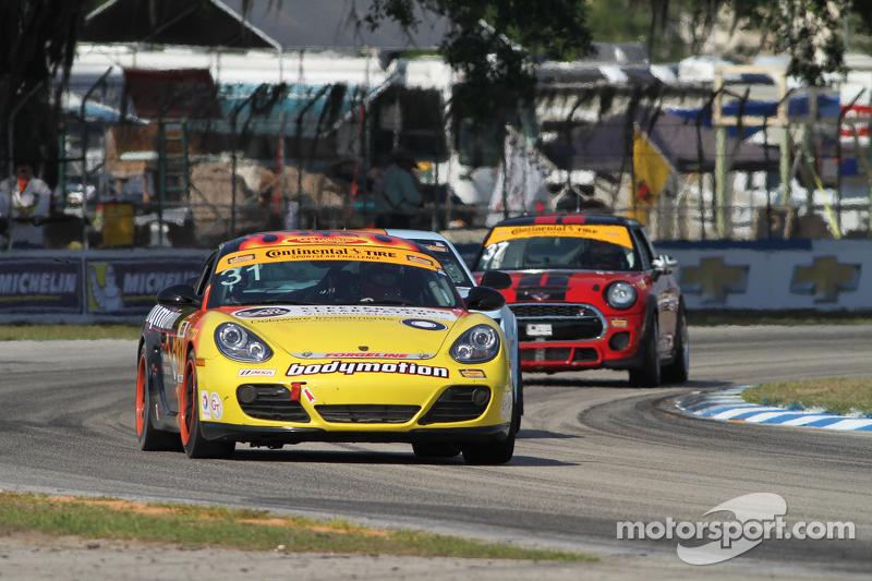 #31 Bodymotion Racing, Porsche Cayman: Ethan Low, Jason Rabe