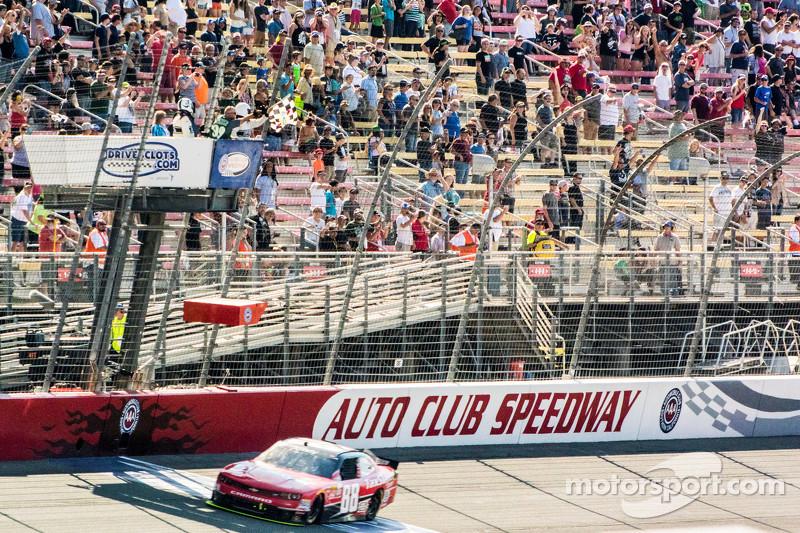 Kevin Harvick, JR Motorsports, Chevrolet, mit dem Sieg