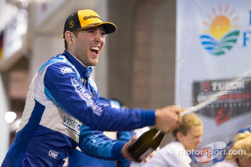 P podium: third place Michael Valiante