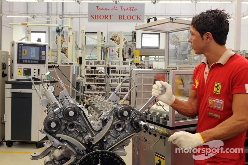 Seorang pekerja Ferrari