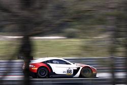#68 Massive Motorsport Aston Martin Vantage GT3: Casper Elgaard, Kristian Poulsen, Simon Moller