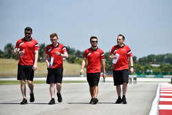 Will Stevens, Manor Marussia F1 Team, beim Trackwalk