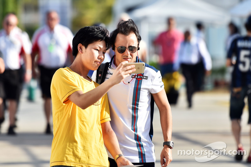 Felipe Massa, Williams with a fan