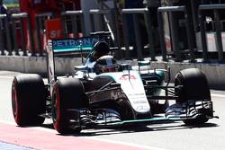 Lewis Hamilton, Mercedes AMG F1 W06, verlässt die Boxengasse